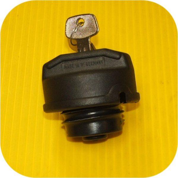 Locking Fuel Gas Cap Suzuki Samurai Sidekick X90 Vitara (eBay #330247413663, pupajj)-8681