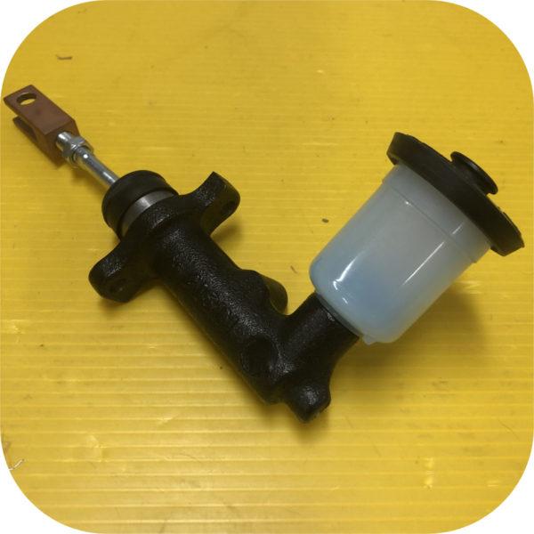 Clutch Master Cylinder for Toyota Land Cruiser 81-5/85 FJ60 FJ40-0