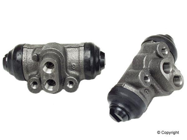 Right Rear Brake Wheel Cylinder Suzuki Sidekick & X90-0