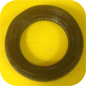 FRONT OUTPUT SHAFT Oil Seal for Toyota Land Cruiser FJ60 FJ62 Split Transfer Case-0