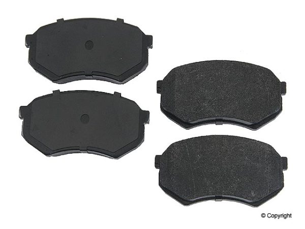 Front Disc Brake Pads for Toyota Pickup Truck Tacoma 88-04-0